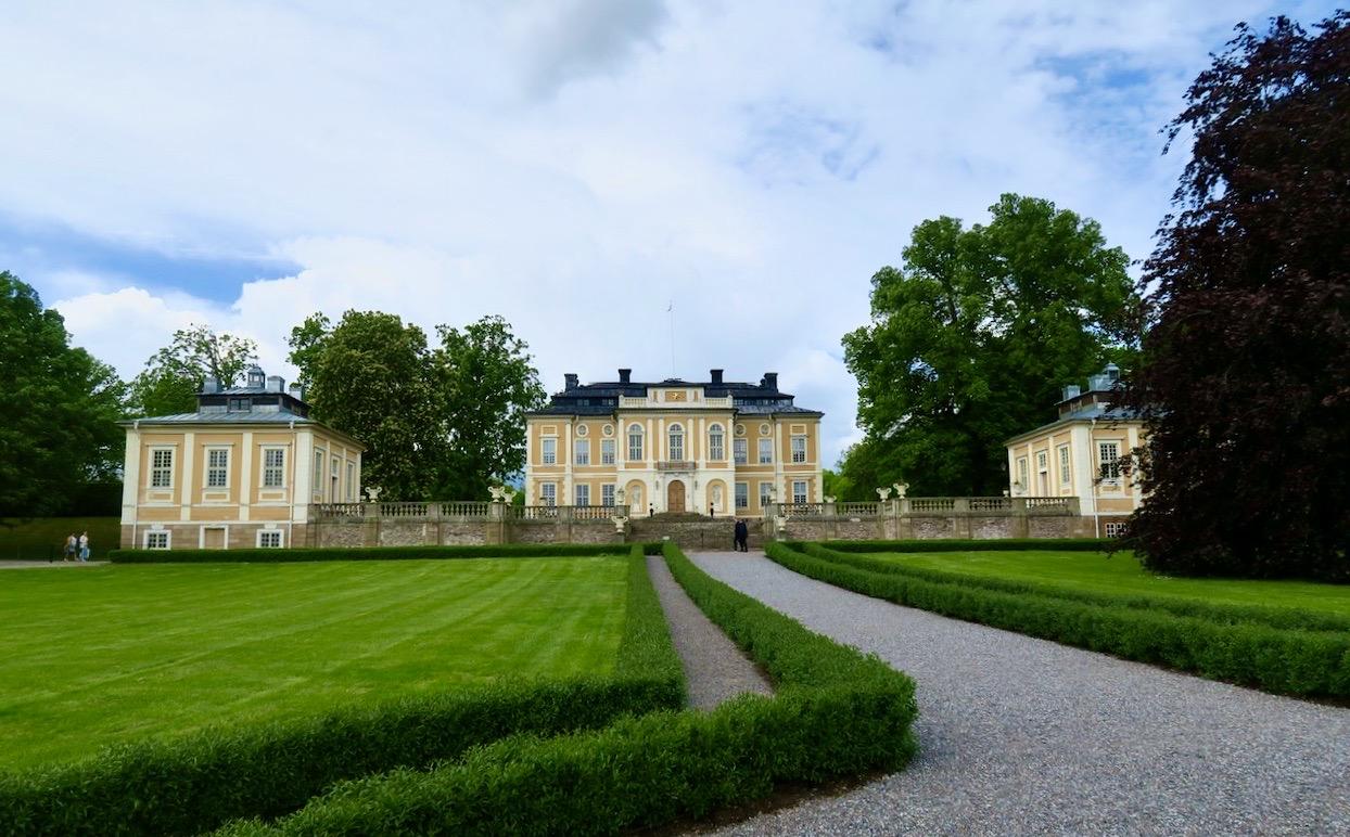 Steninge slott sett från landsidan.