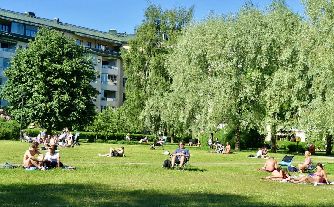 Anna Linds park. Sommarplaner och kanske en del hemester.
