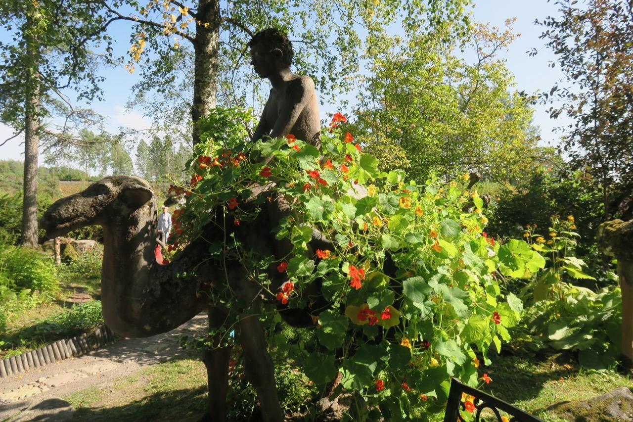 Parikkala. Östra Finland och nära ryska gränsen. Visst går det bar med en kamel som rabatt.