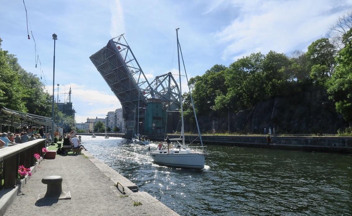 Stockholm. Danvikskanalen. Boule& Bersp. Ett smakprov även här av vatten och båtar.