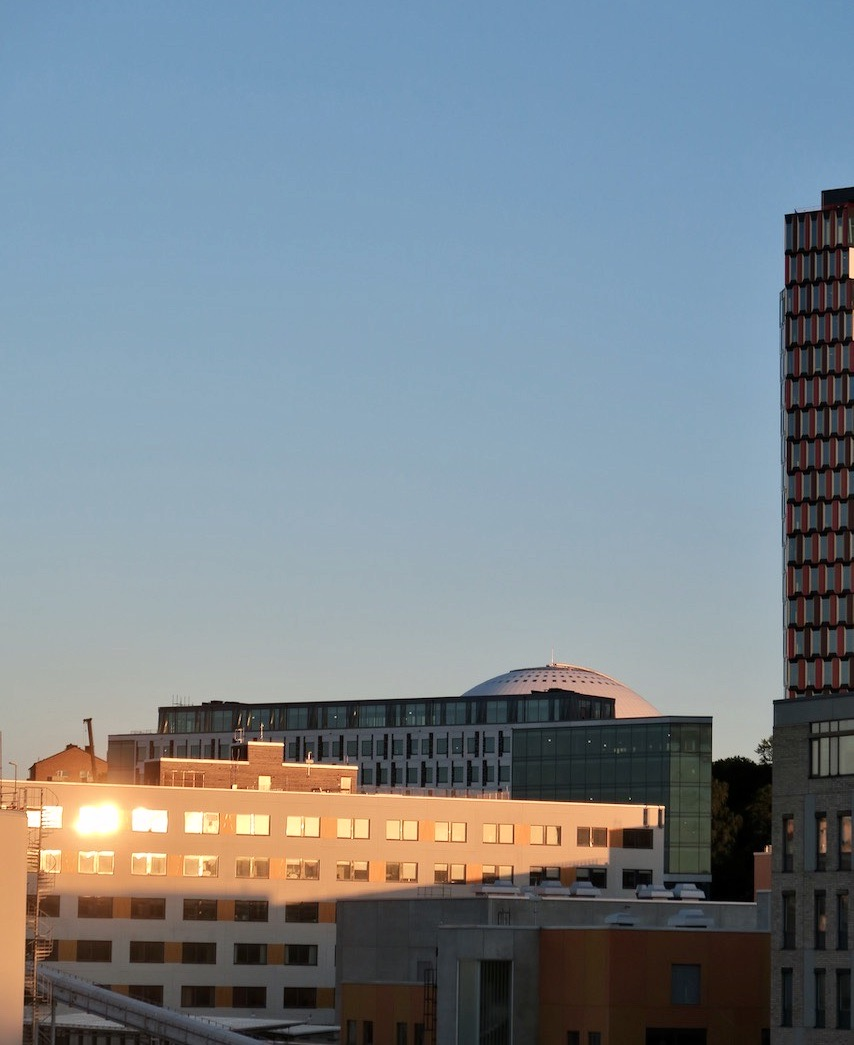 I blickfånget denna kväll var också en vacker solnedgång kombinerad med en klarblå himmel.