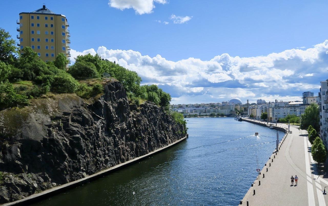 Södermalm. Både iakttagelser och god underhållning erbjuds från Danvikstullsbron.