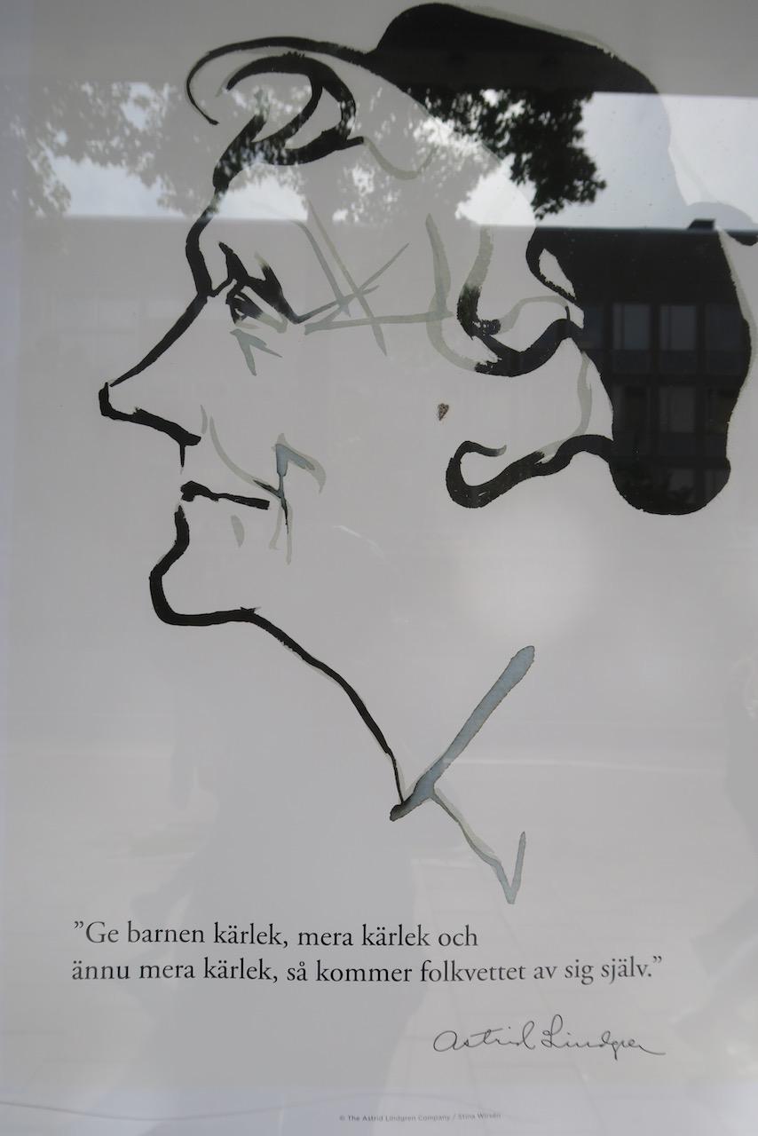 Södermalm. Citat av Astrid Lindgren. Kanske inte så lokal skyltning men det var på Söder jag såg dem-