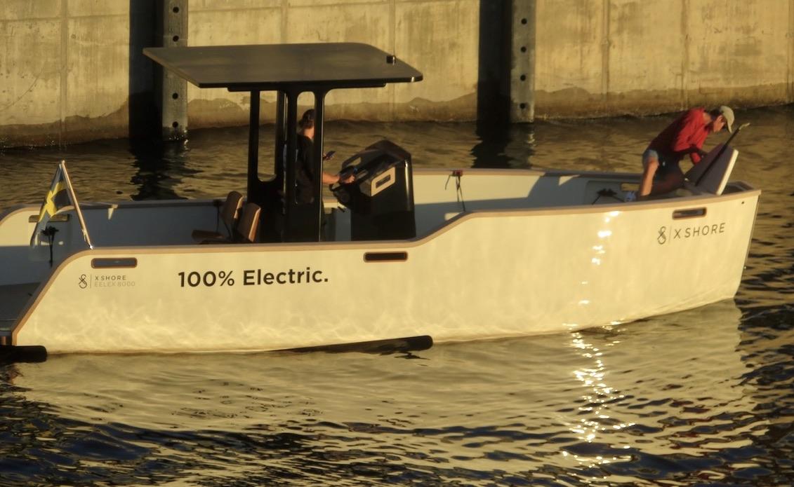 Stockholm. Södermalm. En miljövänlig båt platsar förstås i veckans Söderblandning.