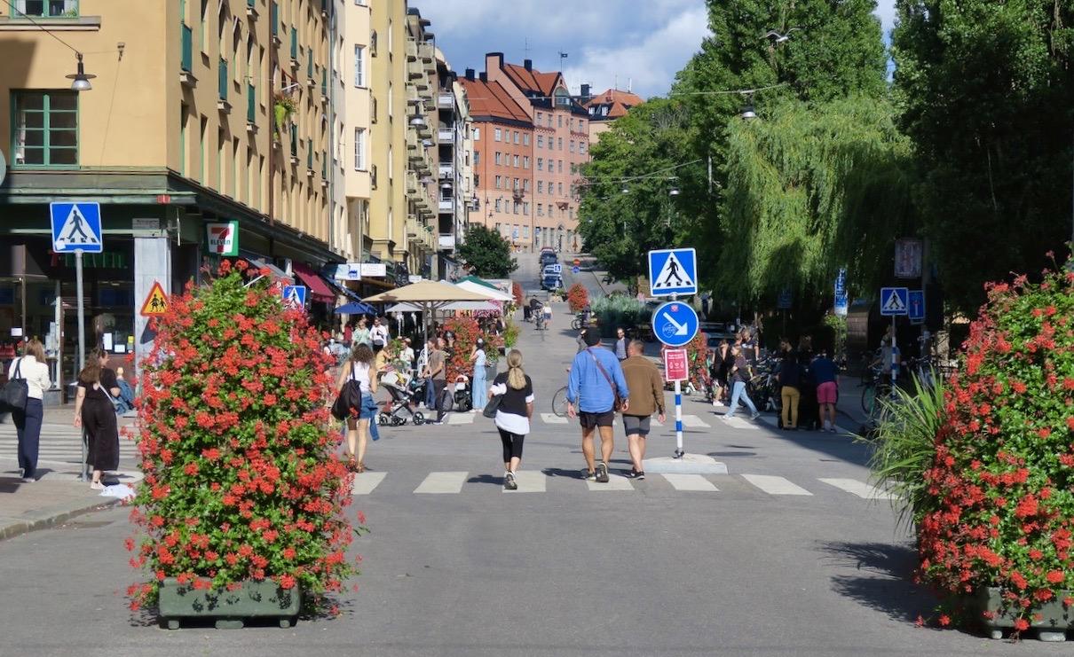 Stockholm. Södermalm. Storstadsvimmel på Skånegatan.