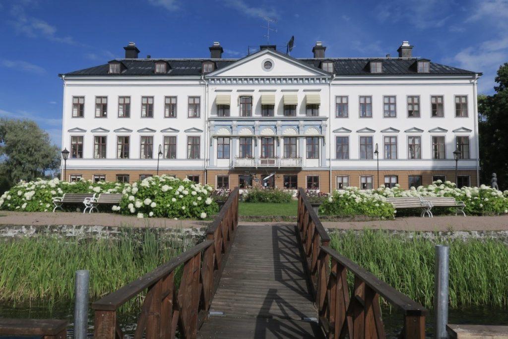 Gästrikland. Herrgården på Gysinge bruk kom till i början av 1800-talet under brukets glansdagar.