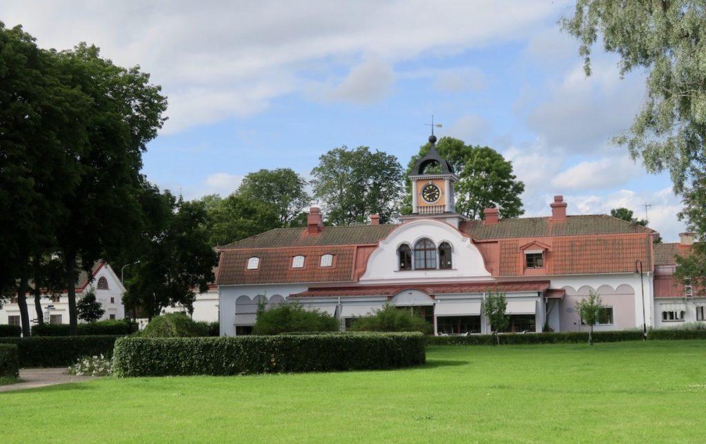 Gysinge Bruk och orangeriet som blev uppfört 1790.