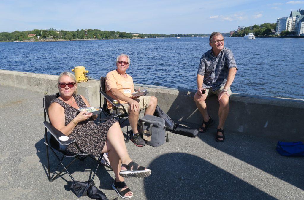 Stockholms inlopp. Alldeles vid vattnet. En perfekt plats för vår picknick med god utsikt.