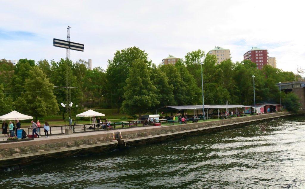 Stockholm. Nacka. Danvikstull. Boule och Berså har ofta många besökare eftersom de har en lyckad kombination i sitt koncept. Läge, miljö och trivsel