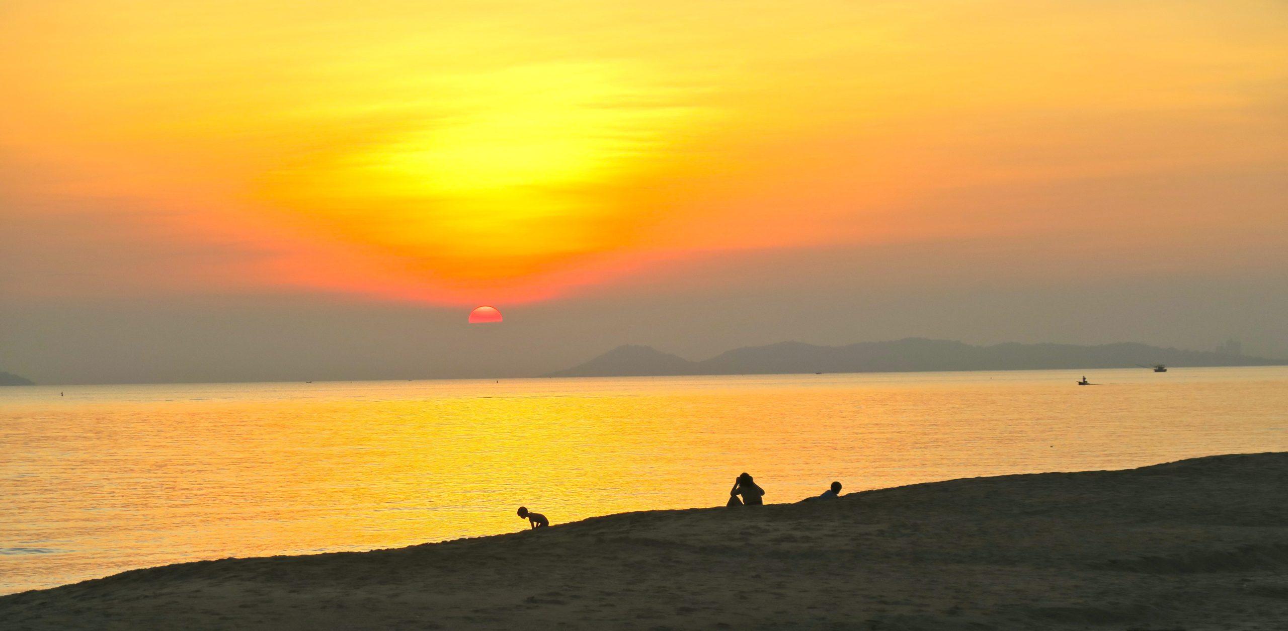 Thailand. Chackapong beach. Under bar himmel
