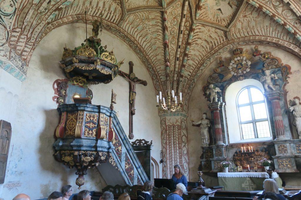 """Ångermanland. Höga kusten. Ytterlänna gamla kyrka. """"Religiöst uppåt väggarna """"som det var på 1400-talet i det katolska Sverige."""