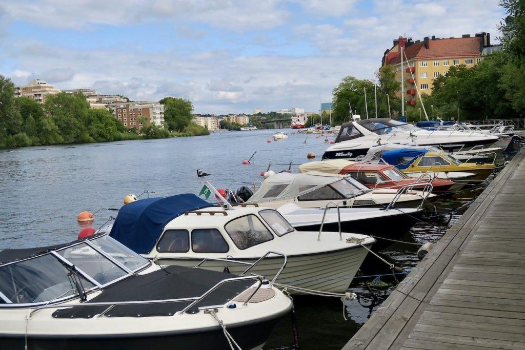 Gröndal. Följer träbryggorna österut längs Mälaren in mot Södermalm.