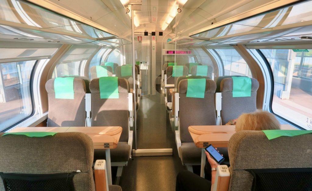 SJ. Stockholm Central. Vi valde att åka i 1:a klass på tåget till Västerås.