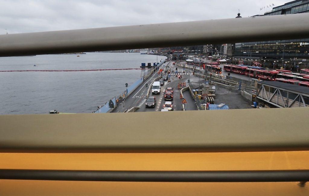 """Stockholm. Slussenområdet. Trots invigning av """"Guldbron"""" blir det knepigt för många fotgängare att nå den."""