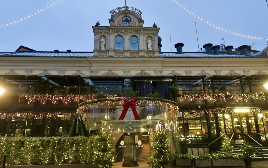 Stockholm. Hotell och restaurang Berns bjuder på ännu mer ljus .