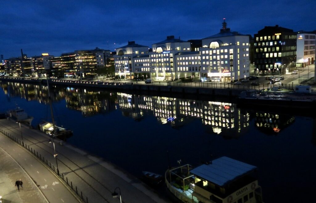 Stockholm. Södermalm. En väldigt vacker morgon och hur det vädermässigt blir vidare ut över dagen är en öppen fråga.