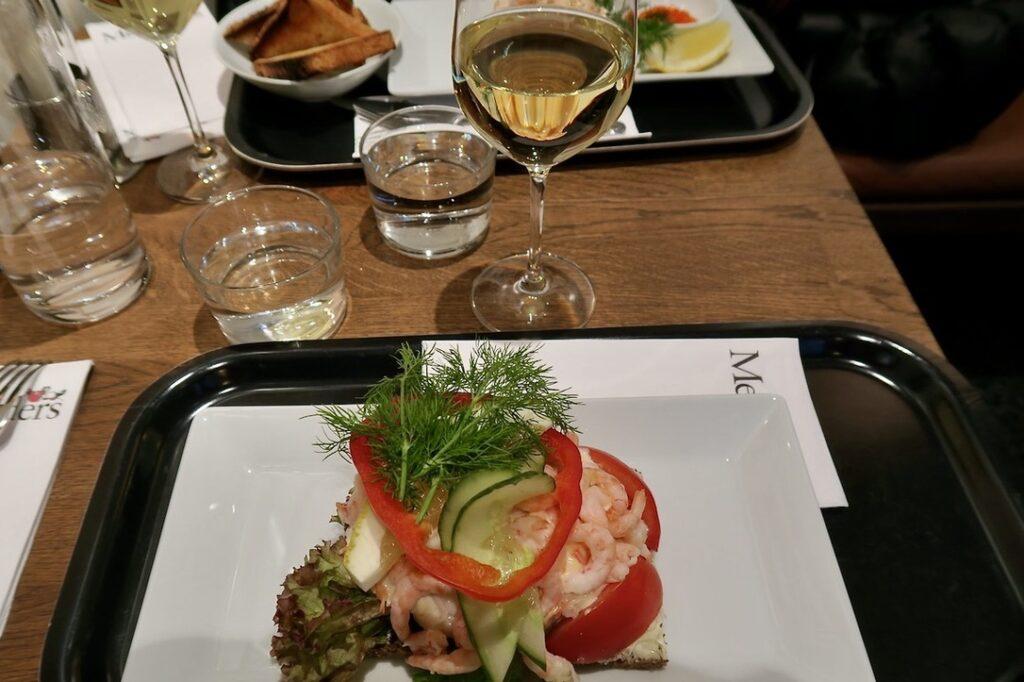 Stockholm. Östermalms Saluhall. Lunch på Malanders Fisk&Vilt