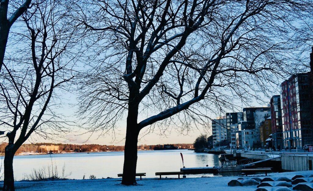 Stockholm. Saltsjökvarn. Njutbart att blicka ut över inloppet till Stockholm.