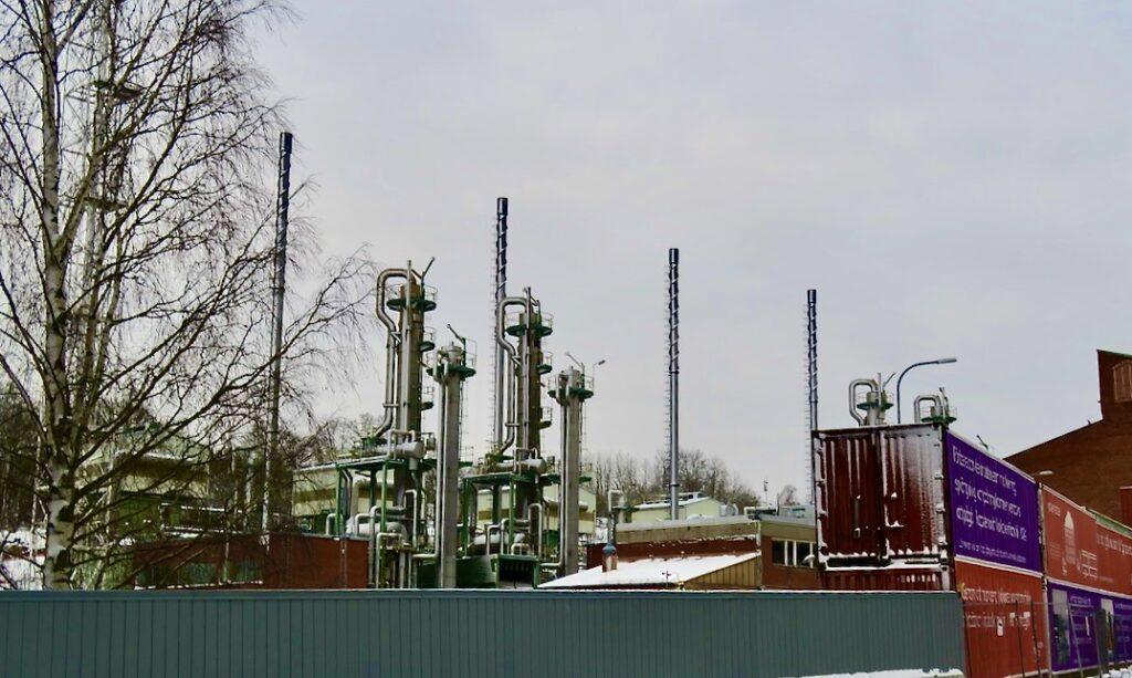 Stockholm.En ny stadsdel,Norra Djurgårdsstaden, samsas med de gamla byggnaderna i gasverksområdet.