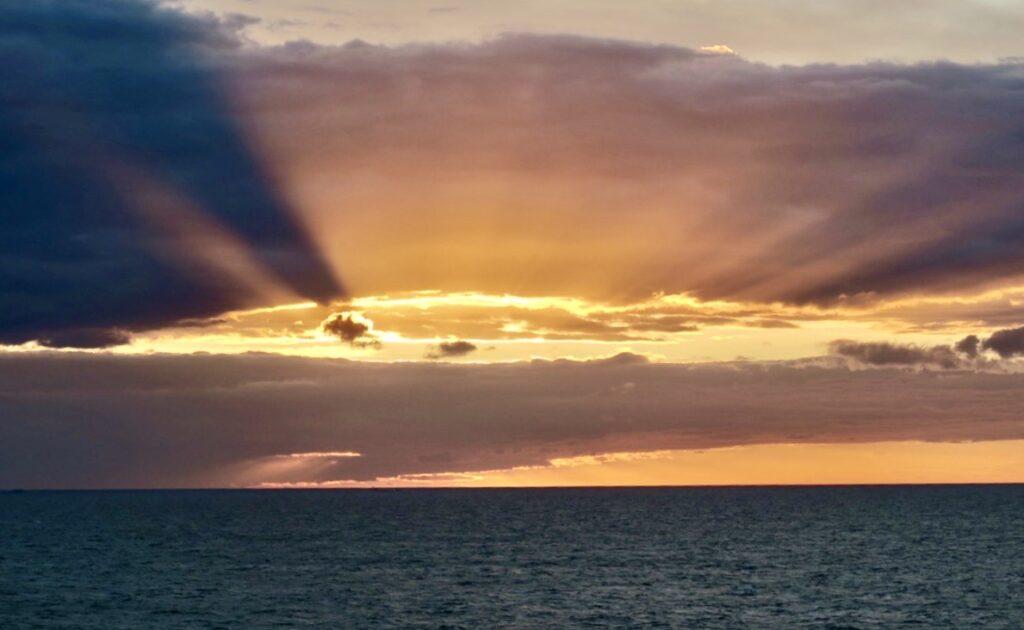 Östersjön. Spännande ljus och molnformationer.