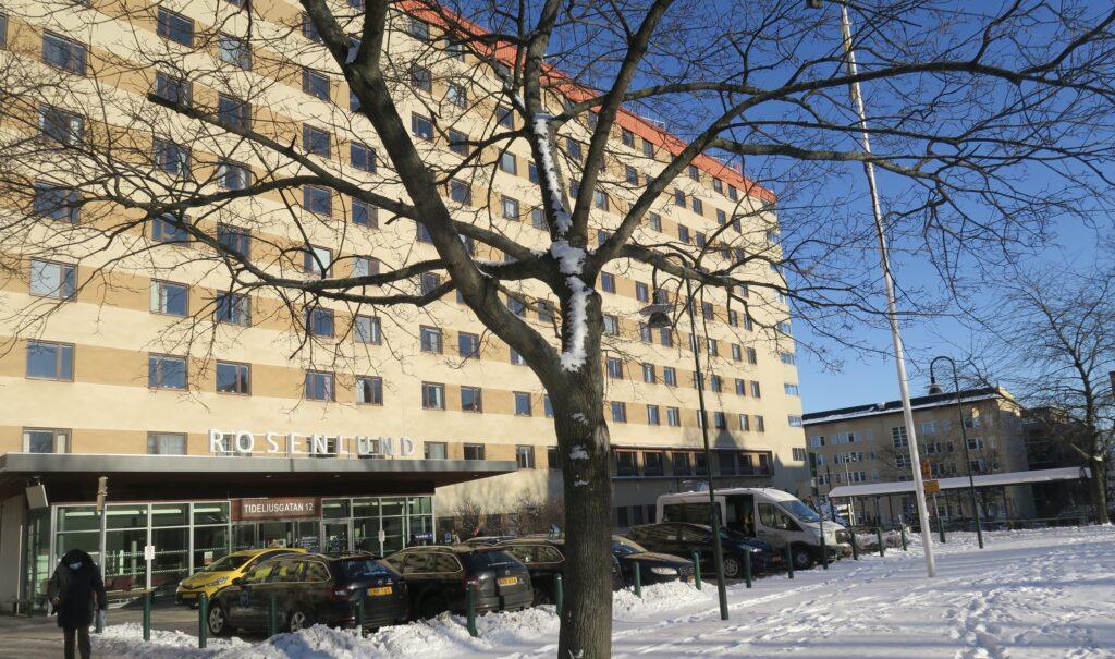 Stockholm. Södermalms rehab. Rosenlunds sjukhus. Träning här en gång i veckan men daglig träning hemma.