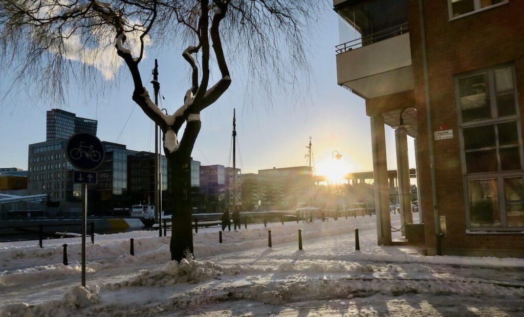 Stockholm. Södermalm. Hemma på kajen är alltid en bra start för promenaderna.