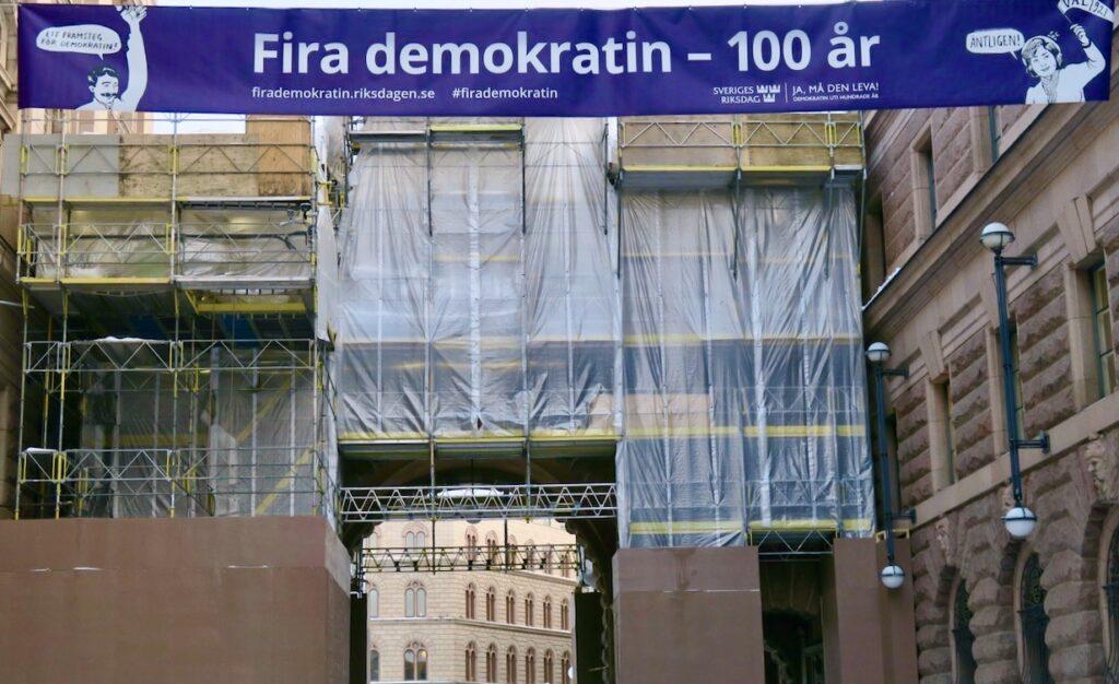 """Gamla stan. Riksdagshuset. Mer sett i veckan """"Fira demokratin- 100 år."""""""