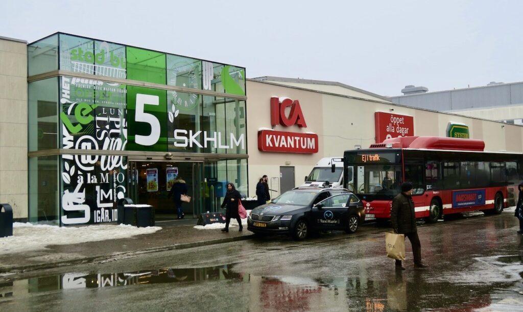 Stockholm. Skärholmen. Ett besök här på IKEA var en annan av veckans händelser.