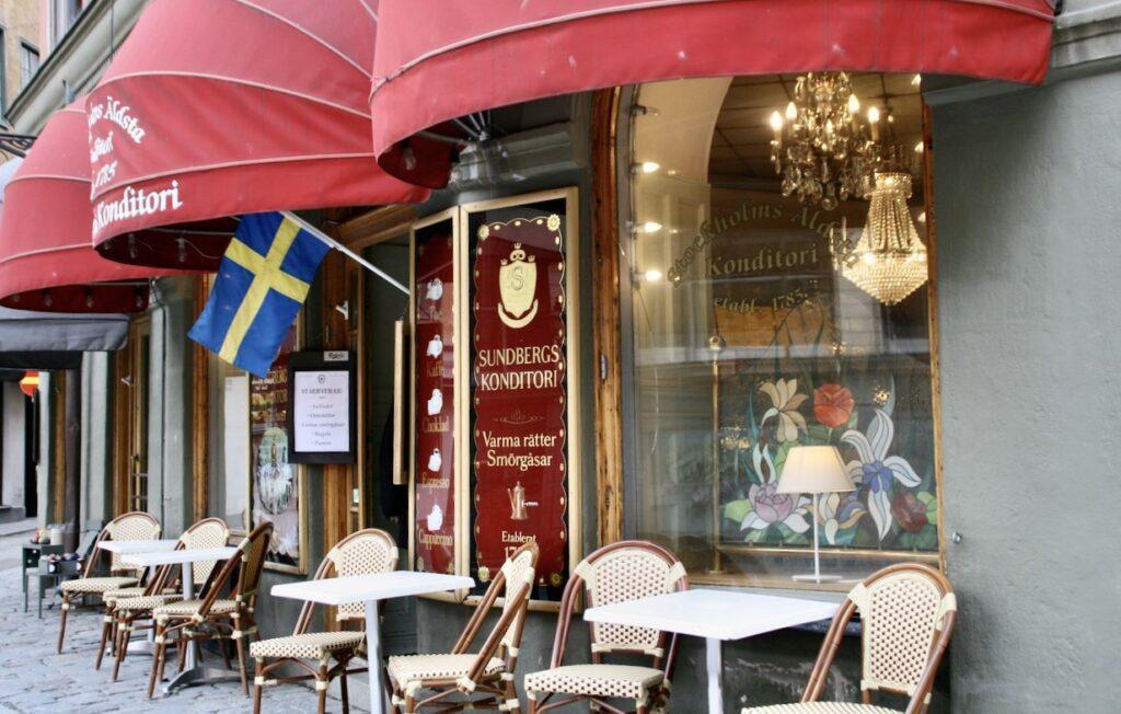 Stockholm. Här i Gamla stan vid Järntorget ligger Sundbergs konditori som grundades 1785.