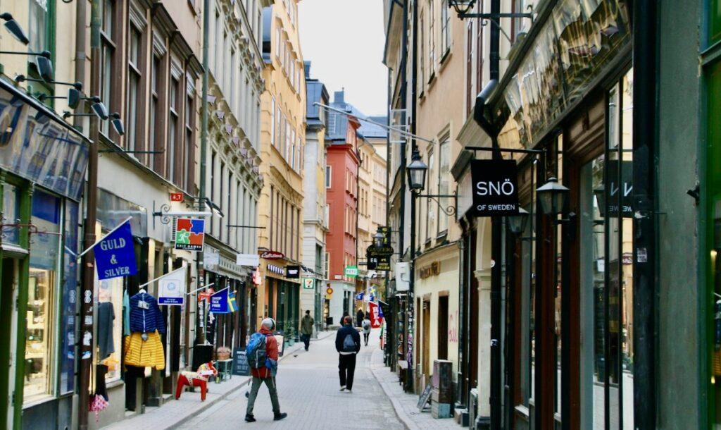 """Stockholm. Till Gamla Stan och Västerlånggatan, """"shoppingggatan"""" - turiststråket kom förr många turister."""