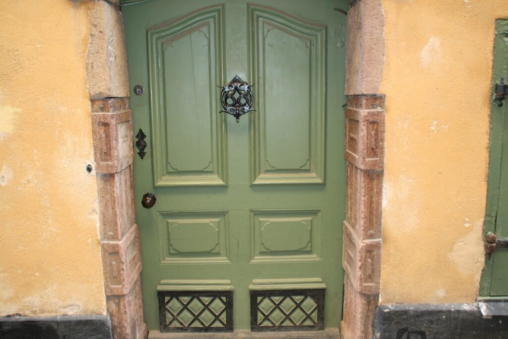 Sockholm . Gamla stan. En portal på Prästgatan 34-