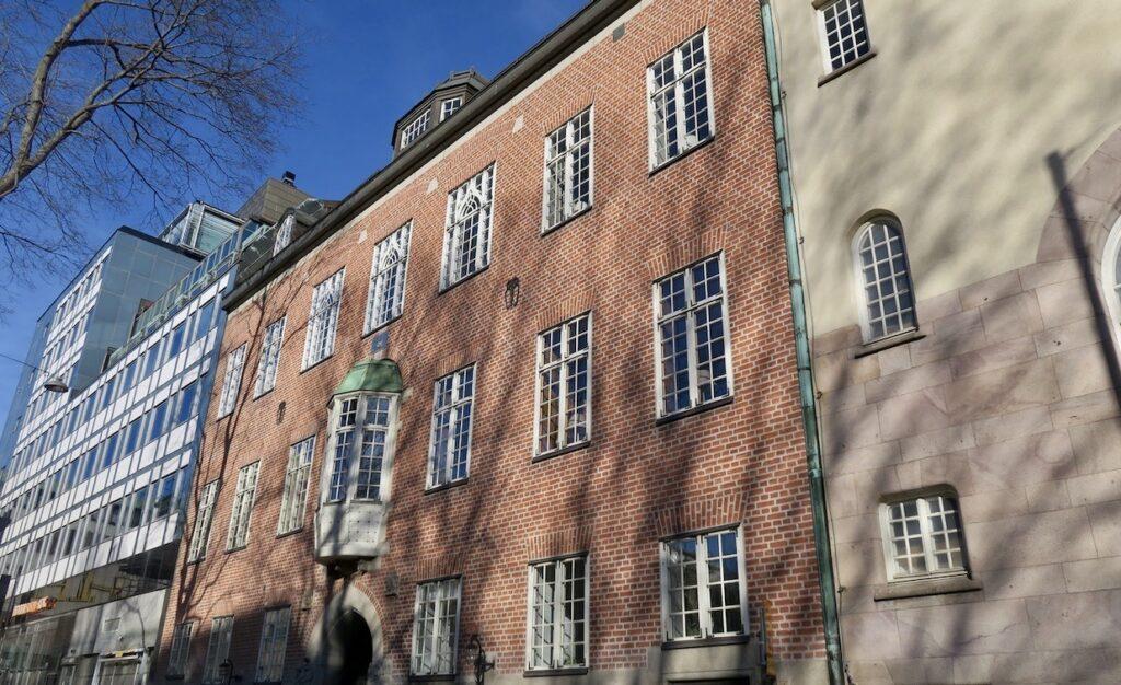 Stockholm. Norrmalm. Läkaresällskapets hus på Klara Östra Kyrkogata. Här skulle jag möta Doktor Glas från Hjalmar Söderbergs bok.