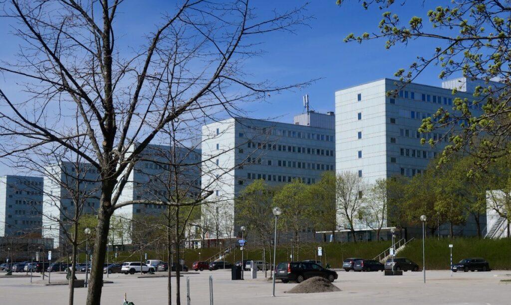 Stockholm. Stockholms universitet ligger till stora delar i Frescati på Norra Djurgården