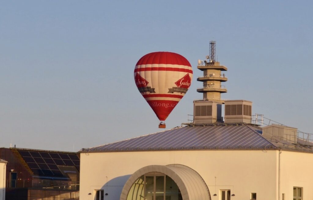 Stockholm. Södermalm. God utsikt uppifrån en luftballong.
