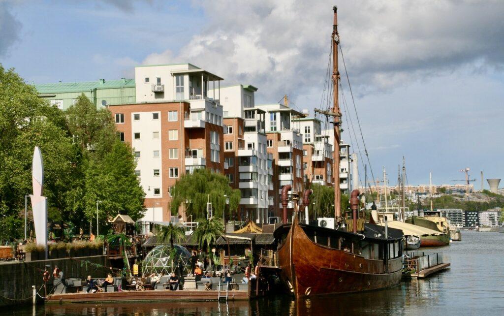 Stockholm. Södermalm. Norra Hammarbykajen . Området där vi bor.