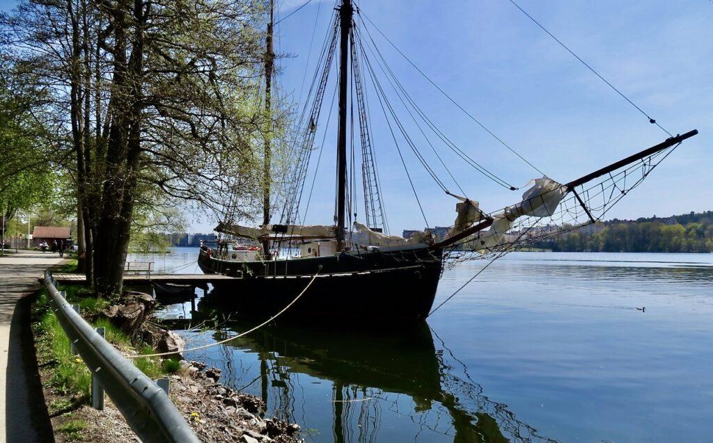 Solna. Solna strand och Ulvsundasjön. Här har skonaren Constantia sin hemmahamn