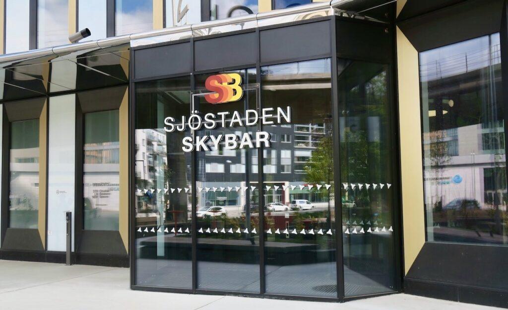 Stockholm. Hammarby sjöstad. Entrén till Sjöstaden Skybar.