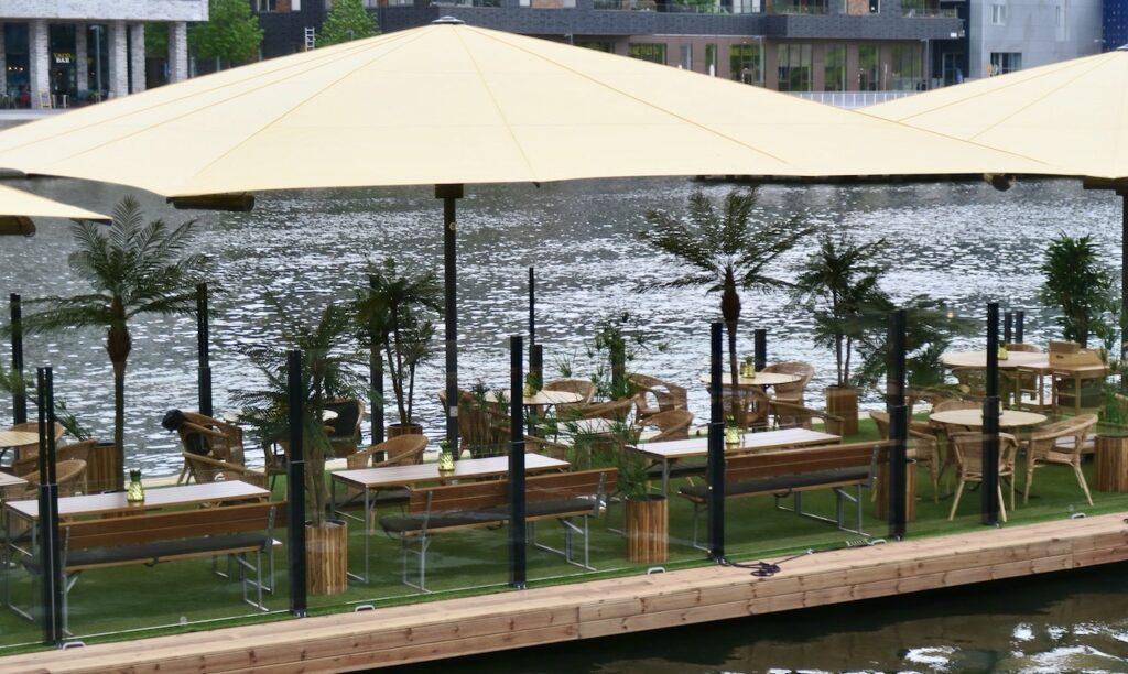 Stockholm. Södermalm. Restaurang THaiboat. Här har men varit mån om att bidra till att ha besökarnas hälsa i fokus och verkligan anpassat sina utrymmen