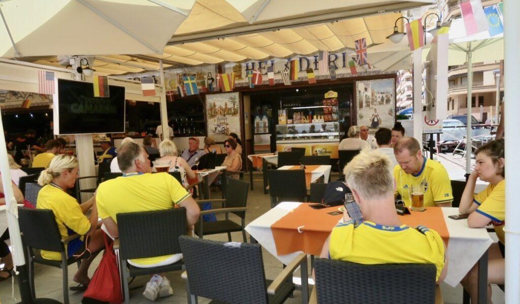 Torrevieja. Ingen tapasträff utan intresset var mer fotboll. Sverige mot Slovakien i EM