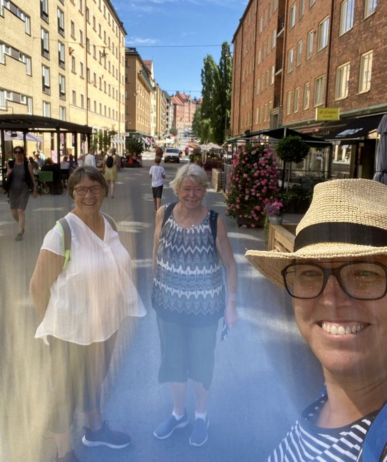 Stockholm Södermalm. Flera gator här hemma på Söder har förvandlats till Sommargator. Här Skånegatan