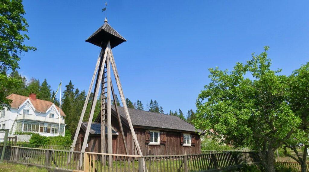 Höga kusten. Kapellet på Ulvön byggdes 1622 av gävlefiskare.