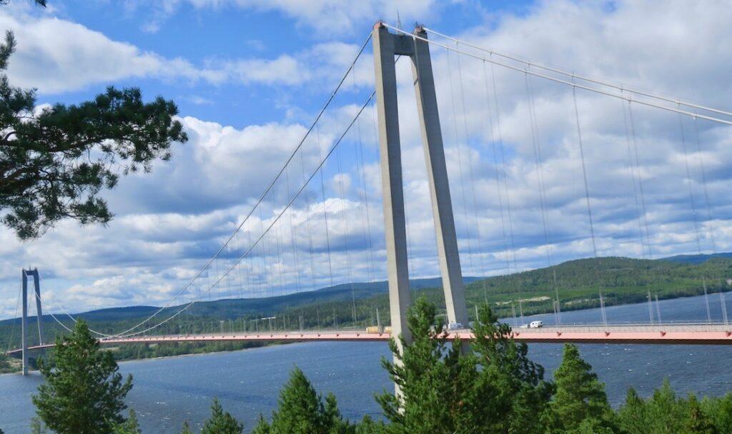 Högakustenbron blev nästa stopp på vägen.