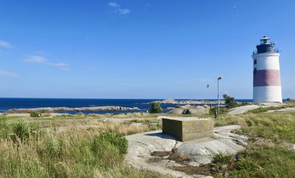 Fyrplatsen Söderarm på Torskär ligger ytterst i havsbandet och med Ålands hav som närmsta granne.