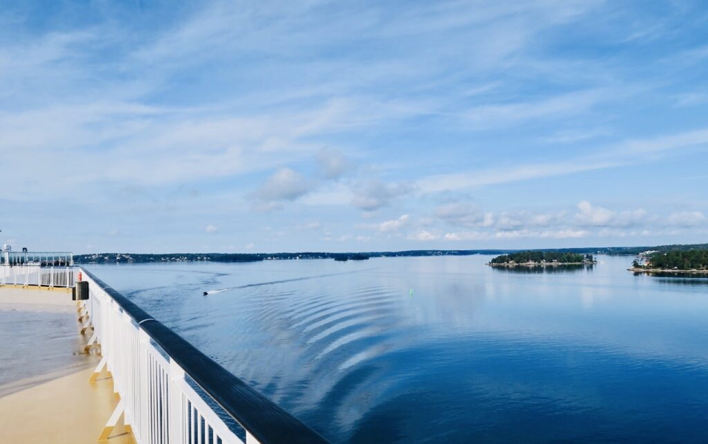 Stockholms mellanskärgård och på väg till Åland- Snart ytterskärgården och Ålands hav.