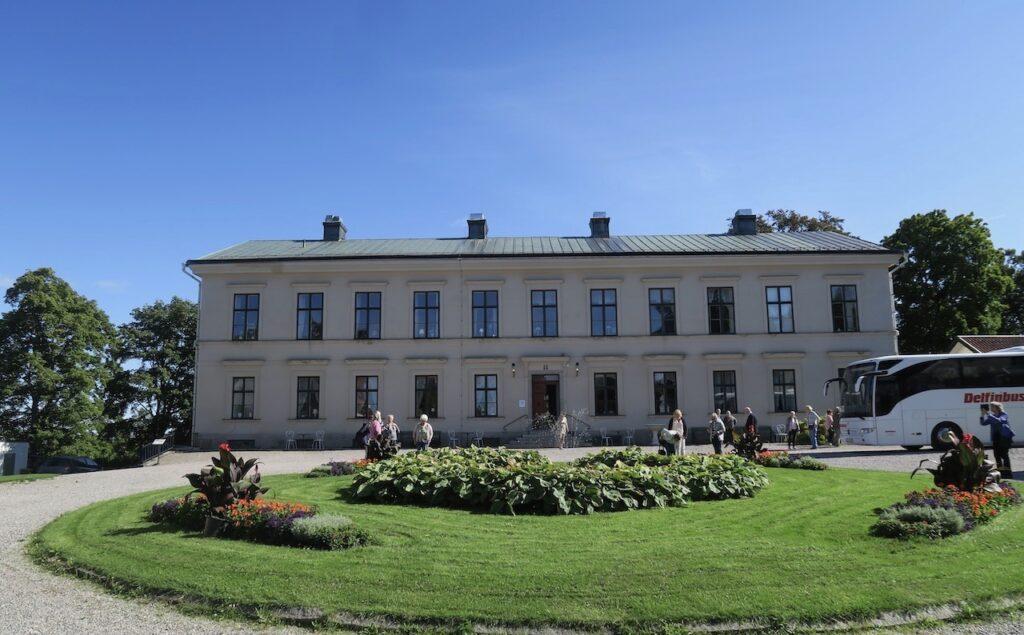 Karlslunds herrgård utanför Örebro. Dags för lunch.