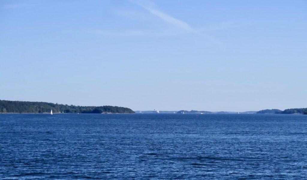 Stockholm. En tur jag verkligen rekomenderar är att med pendelbåt ta den här turen.