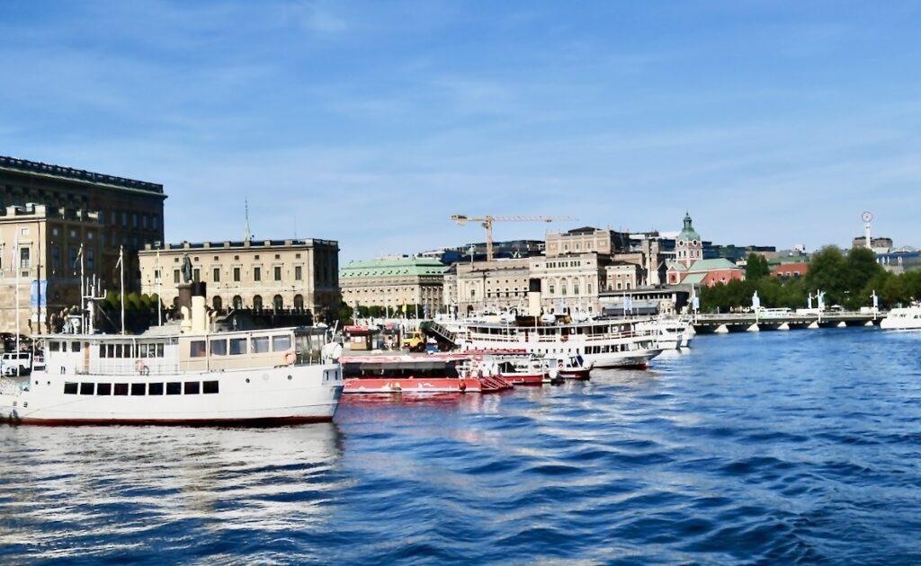 Stockholm. Strömkajen. På väg med SL:s pendelbåt till Vaxholm