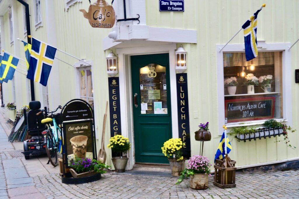 Café Hörnan i Norrtälje. Gott och trevligt.