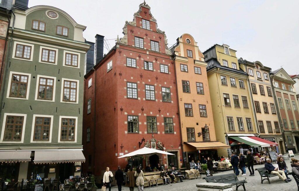 Stockholm. Gamla stan. Till och från Stortorget leder flera gränder.