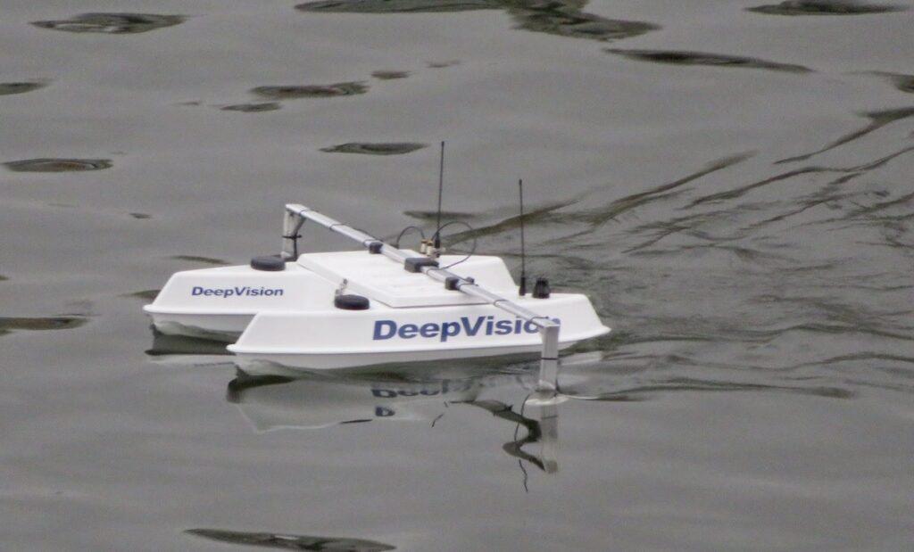 """Stockholm. Södermalm. """"DeepVision"""" den sista av veckans höjdpunkter vad gäller skyltar."""